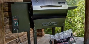 Camp Chef Pellet Grill & Smoker Deluxe
